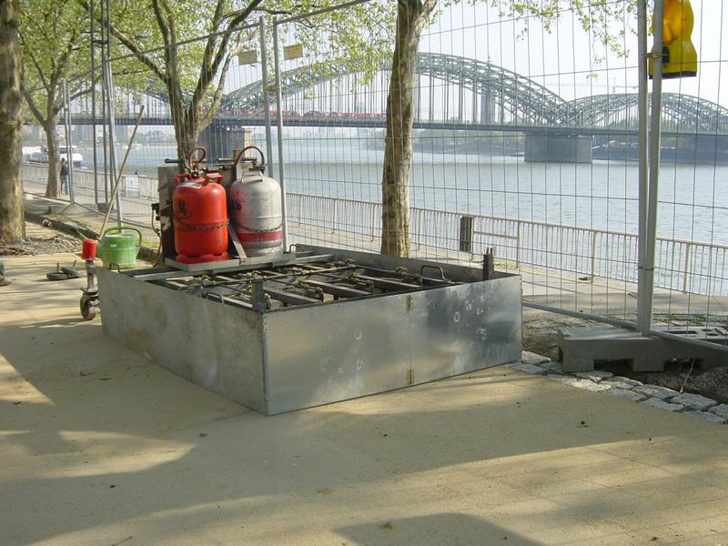 Reparatur von rauen Stelle und einer unsauberen Mittelnaht in Köln Rheinpromenade .