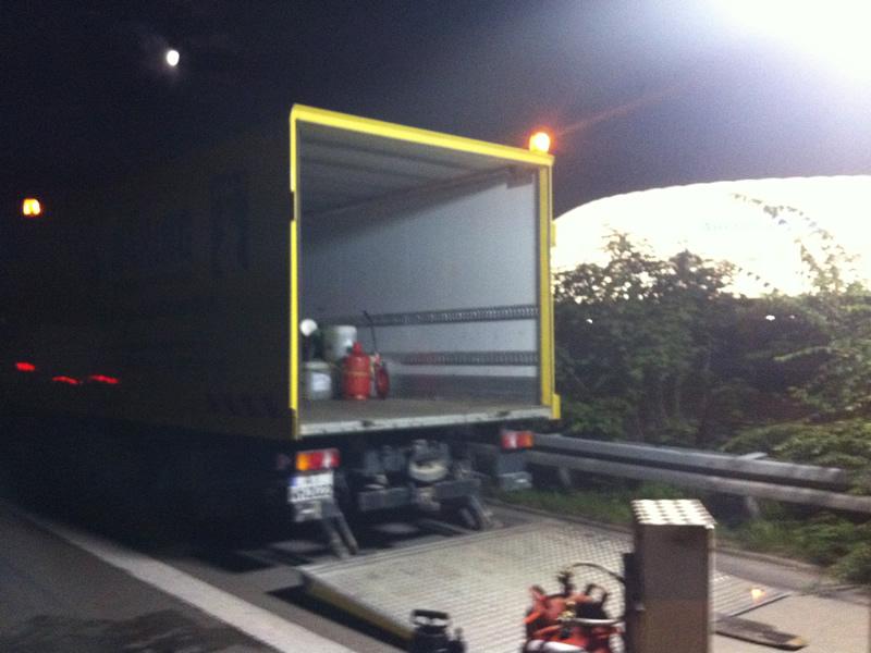 Nachtarbeit auf der A 8 nähe der Allianz Arena